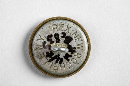Button for a Soviet army uniform. Rex Products Corporation, New Rochelle, New York State, USA. 1943. State Central Museum of Contemporary History of Russia